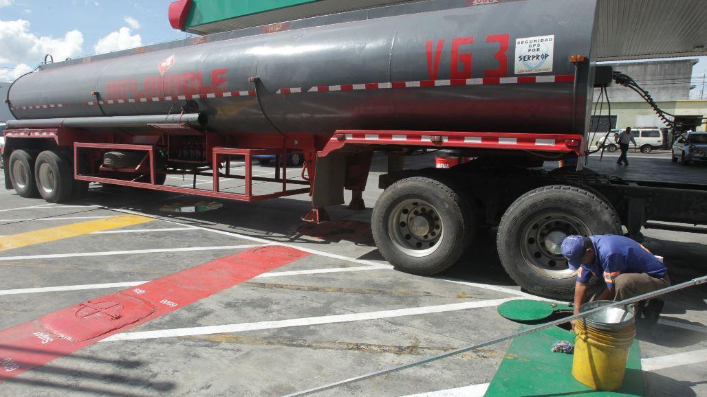 Coronavirus: El consumo de combustibles cerrará el 2020 con rezago de un 10%