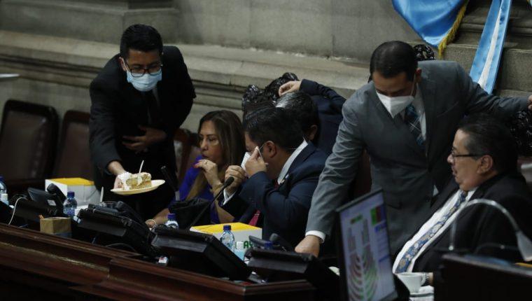 Diputados en la última sesión ordinaria de 2020. (Foto: Esbin García)