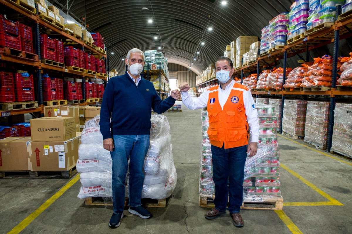 Cervecería Centro Americana S. A. entrega kits de alimentos para damnificados por Eta