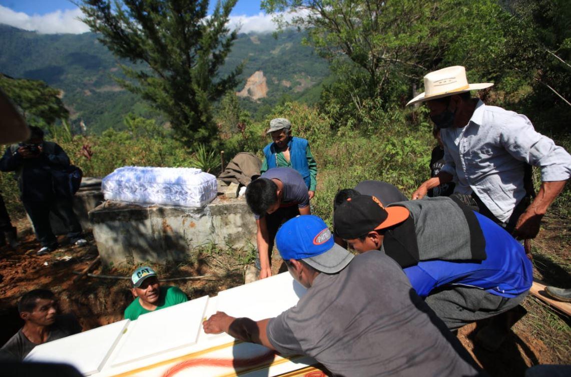 Inhuman a seis víctimas del derrumbe en la aldea Quejá, San Cristóbal Verapaz