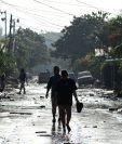 Más de 1.5 millones de niños hondureños están expuestos a los daños por las inundaciones que dejó la depresión tropical Eta a su paso por Honduras. (Foto Prensa Libre: AFP)