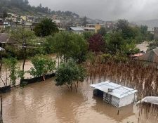 Constantes lluvias dejan inundadas comunidades de Quiché. (Foto Prensa Libre: Héctor Cordero)
