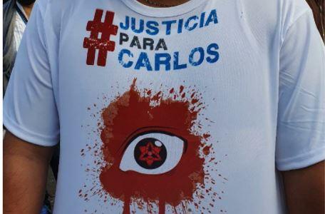 Los familiares de uno de los jóvenes que perdió un ojo por las agresiones en la manifestación del 21 de noviembre, piden justicia. (Foto Prensa Libre: La Red)