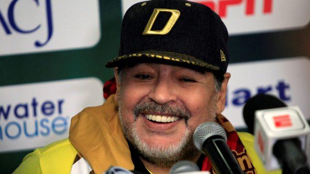 Se entrega empleado que se fotografió con el cadáver de Maradona