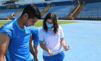 La nutricionista Ana Mendoza es la encargada de la alimentación, suplementación y pruebas de hidratación en seleccionados nacionales. (Foto Prensa Libre: Cortesía Fedefut)