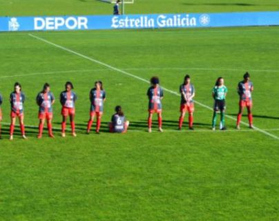 Paula Dapena, jugadora del club Viajes Interrías FF de la 3a. división femenina española, se negó a rendirle homenaje al difunto jugador argentino Diego Armando Maradona. (Foto Prensa Libre: Twitter)