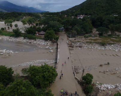 La red vial del norte de Centroamérica que comunica a los puertos y puntos aduaneros presenta daños por el exceso de lluvias. (Foto Prensa Libre: Hemeroteca)