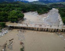 Puente Jones, Río Hondo, Zacapa, afectado por las lluvias ocasionadas por Eta. (Foto Prensa Libre: Carlos Hernández)