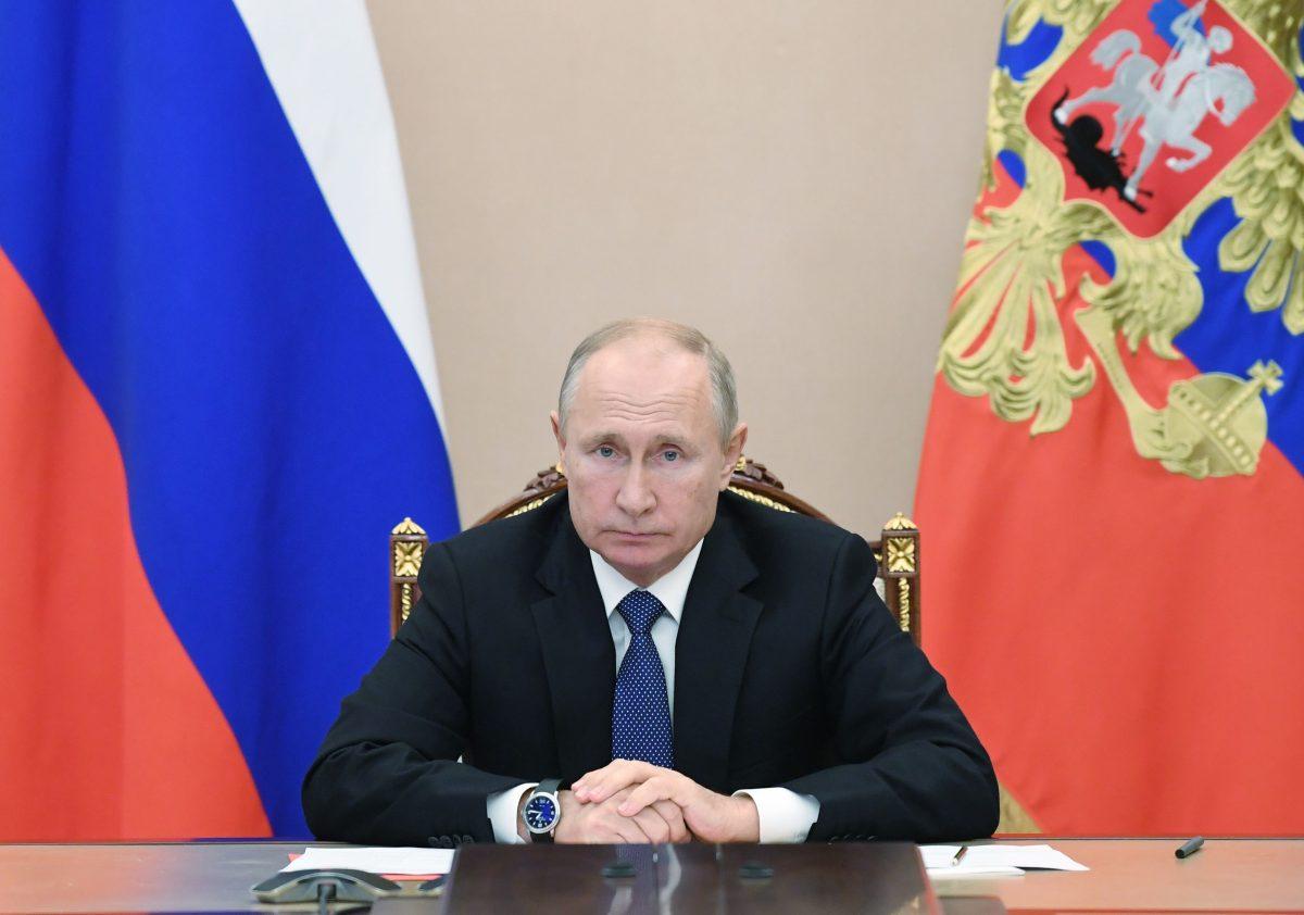 En Inglaterra aseguran que Vladimir Putin tiene Parkinson y que evalúa dejar el poder en Rusia