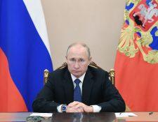 En la actualidad, el presidente ruso Vladimir Putin, debaten sobre la vacuna Sputnik V. (Foto Prensa Libre: AFP)