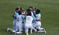 La Selección Nacional de Guatemala se quedó con el triunfo por 2-1 ante Honduras en su último juego amistoso del año. (Foto Prensa Libre)