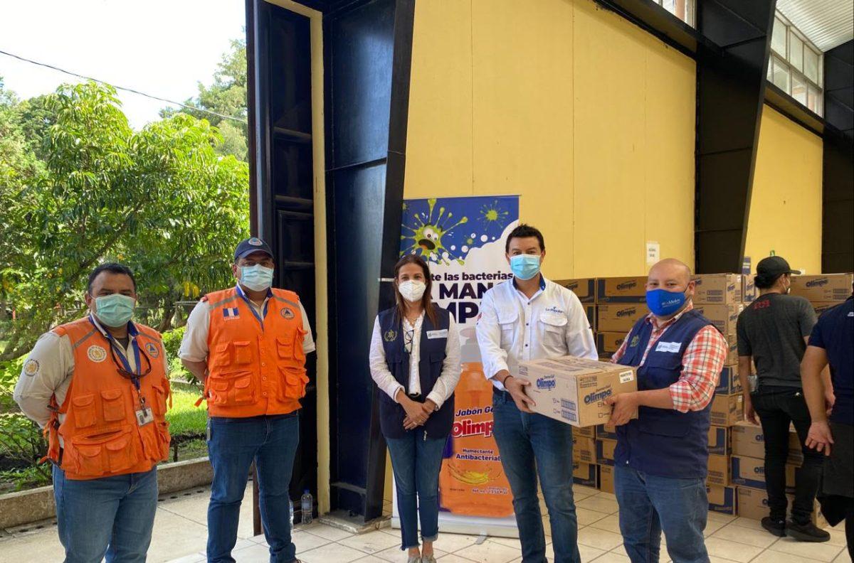 Industria La Popular realiza donación para familias afectadas por la tormenta tropical Eta