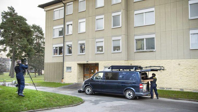 La policía sueca está investigando el caso, en un barrio del sur de Estocolmo.