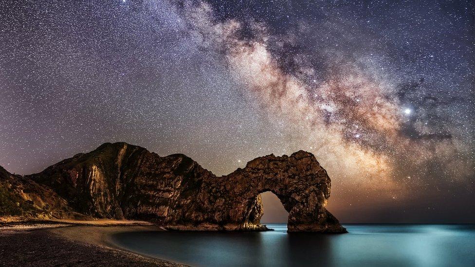 El espectacular cielo de diciembre que dejará una lluvia de meteoritos, la conjunción de Júpiter y Saturno… y un eclipse total de Sol
