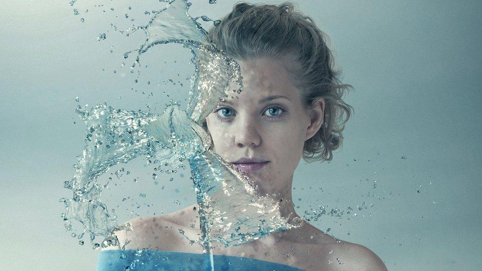 El experimento que mostró que el agua es tan extraña que en realidad son dos líquidos