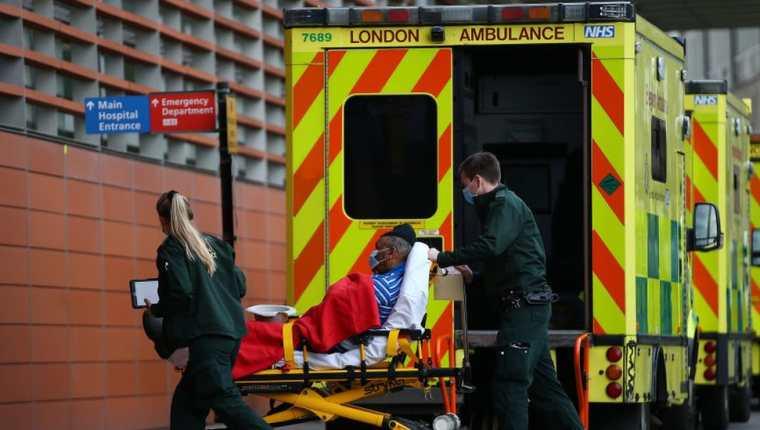 Las medidas de confinamiento en Inglaterra buscan frenar el incremento de casos de coronavirus. (Foto Prensa Libre: EFE)