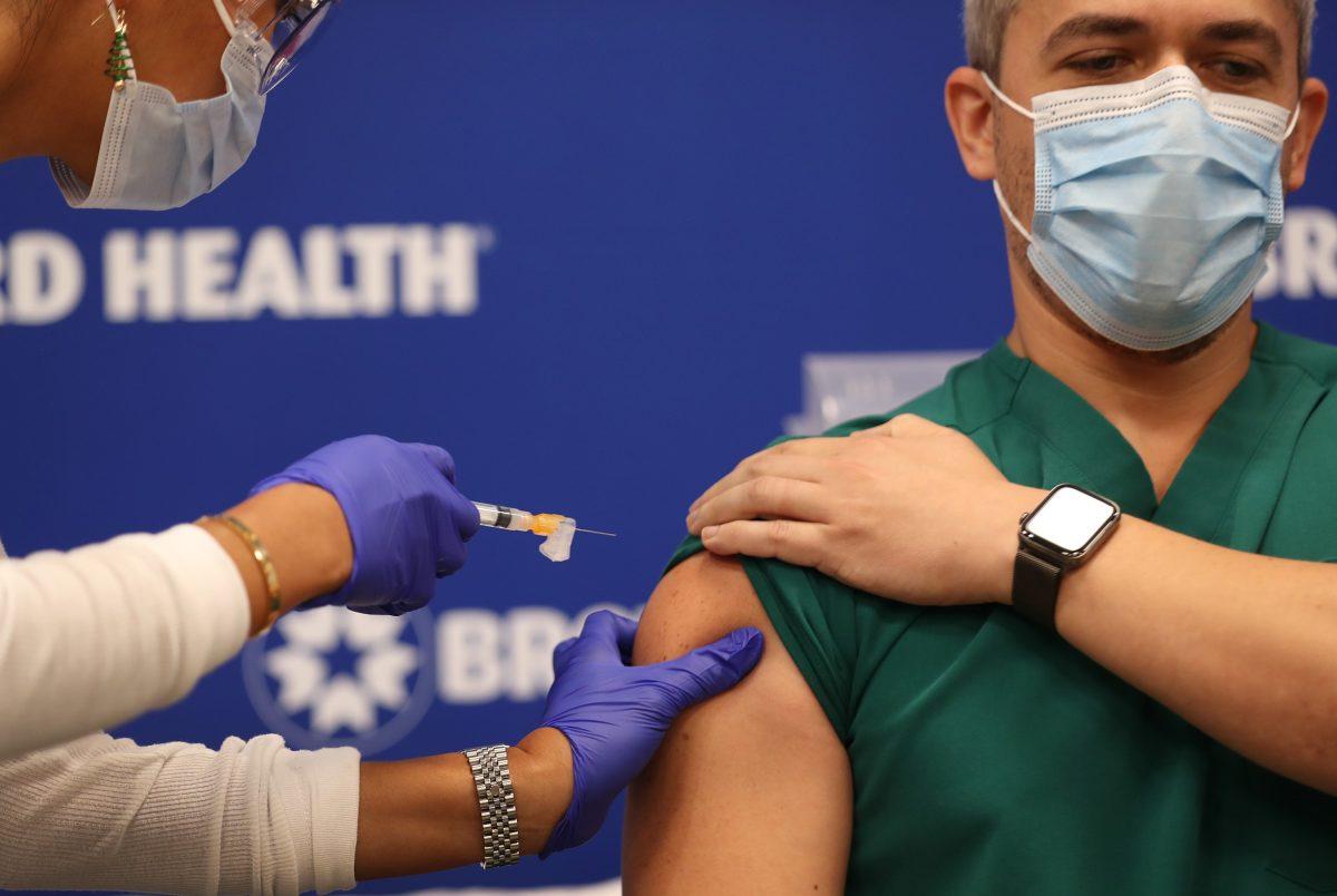 Costa Rica recibe vacuna contra el coronavirus y empezará a aplicarla antes de Navidad