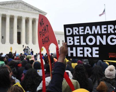 Juez ordena al Gobierno de EE. UU. que restaure el programa migratorio DACA (que quiso ser suspendido por Donald Trump)