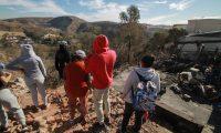 Los incendios han dejado sin vivienda a cientos de mexicanos en Tijuana. (Foto Prensa Libre: EFE)