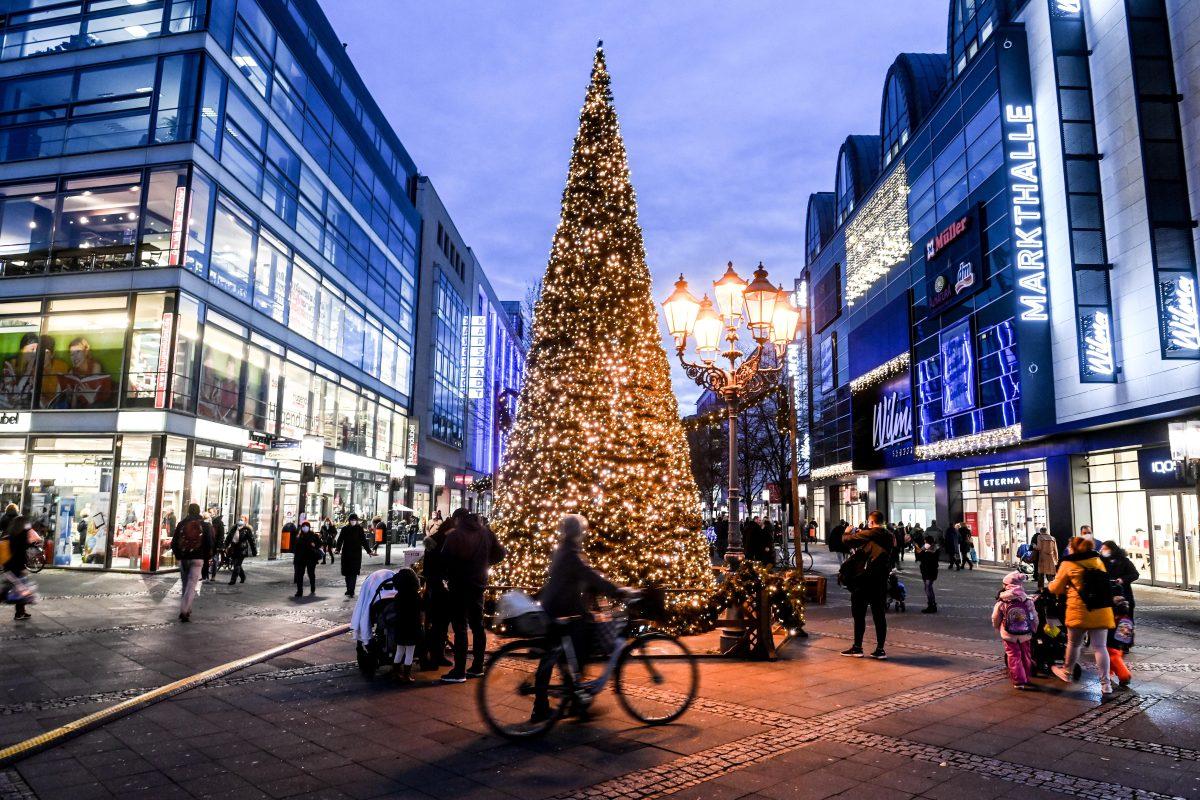 Repuntes de casos para Navidad: cómo se preparan los países europeos para atender al coronavirus