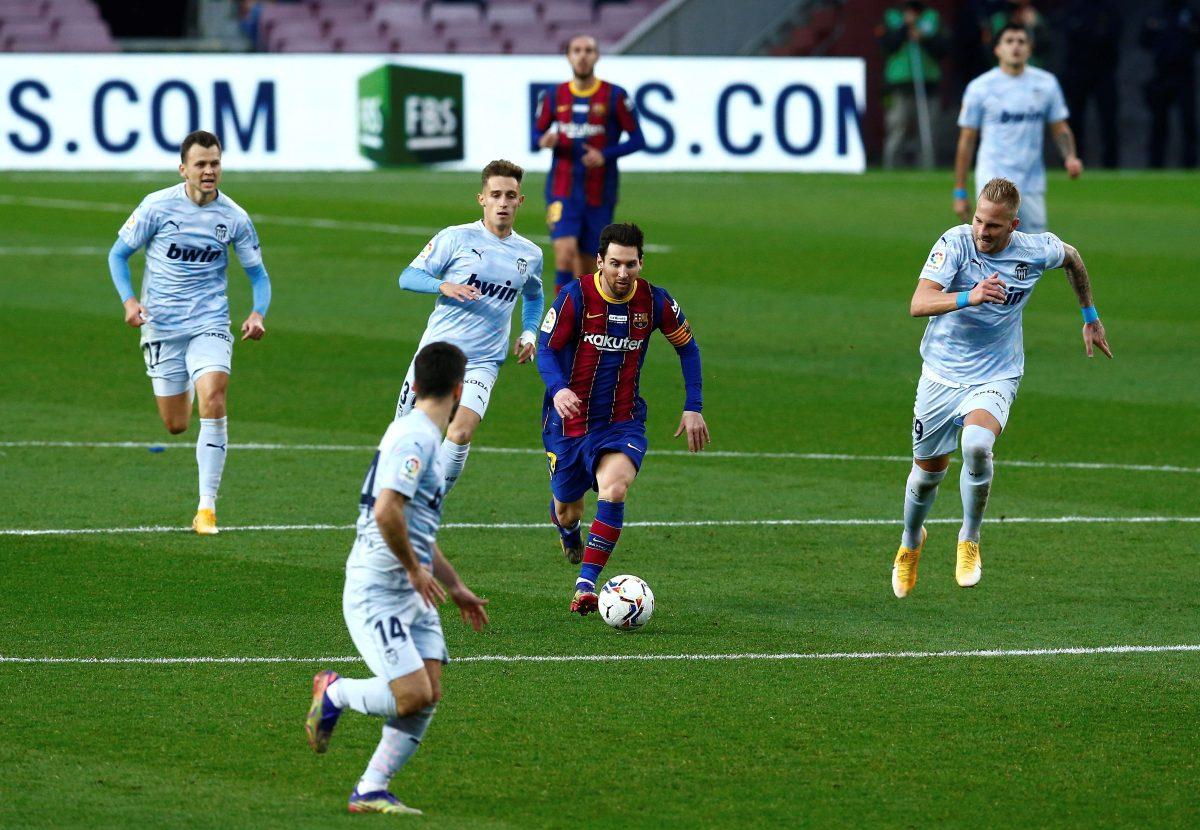 Messi alcanza a 'O Rei' Pelé como el hombre con más goles en un club