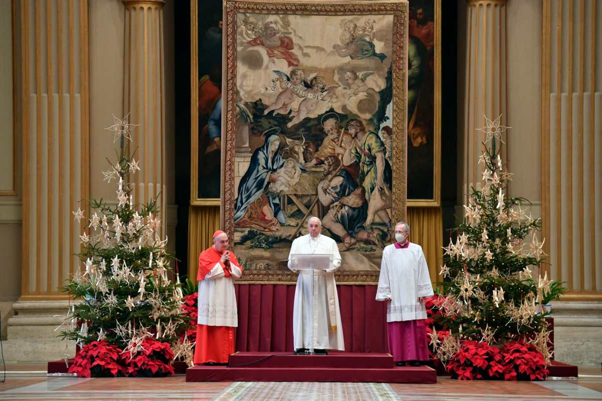 El papa pide que todos tengan acceso a la vacuna contra coronavirus en su mensaje de Navidad