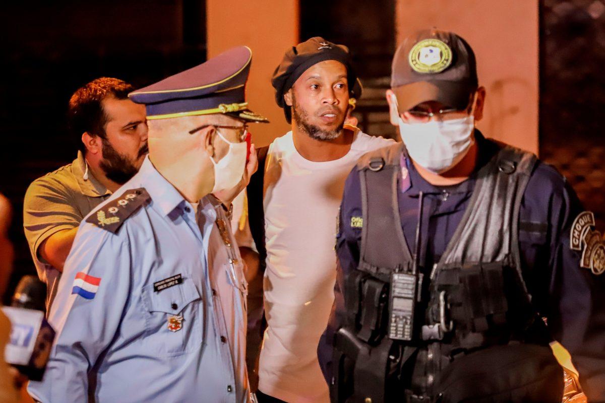 El resurgimiento de Ronaldinho: los negocios millonarios del exfutbolista brasileño luego de estar en prisión