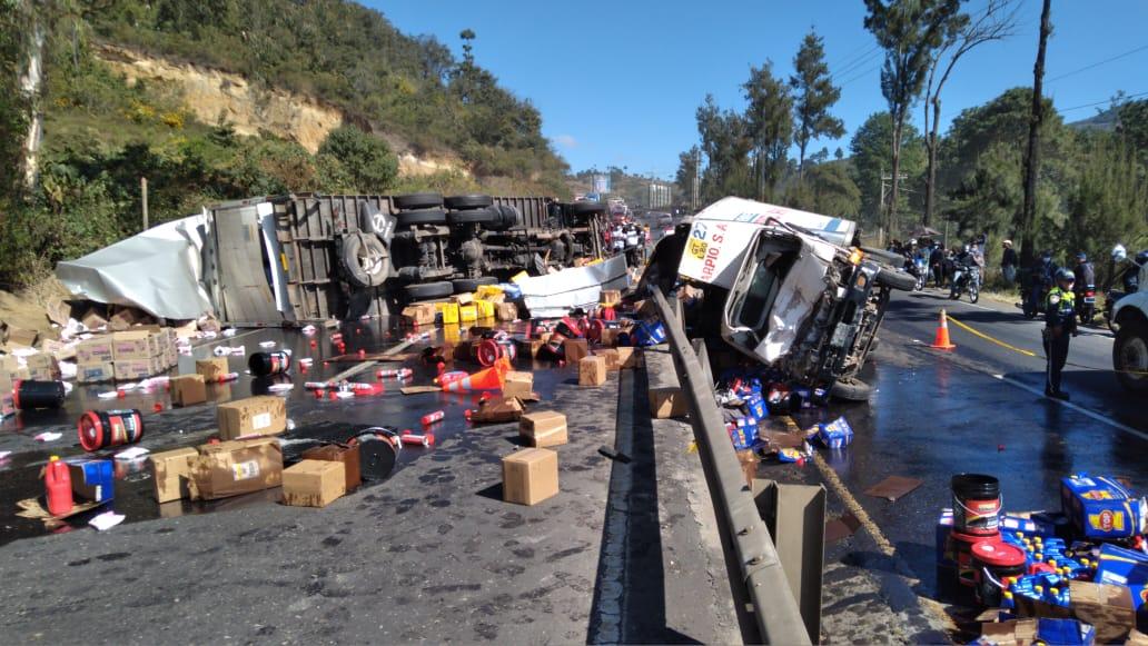 Racha de accidentes de tránsito en la víspera de Navidad deja dos muertos y varios heridos