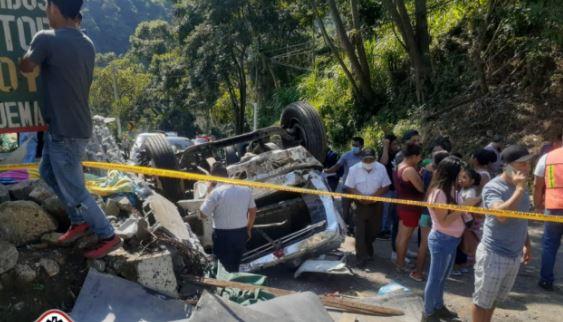 Tres fallecidos y varios heridos en accidente de tránsito en ruta entre San Marcos y Malacatán