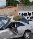Camión vuelca en la ruta entre Los Encuentros y Chichicastenango. (Foto Prensa Libre: Bomberos Municipales Departamentales)