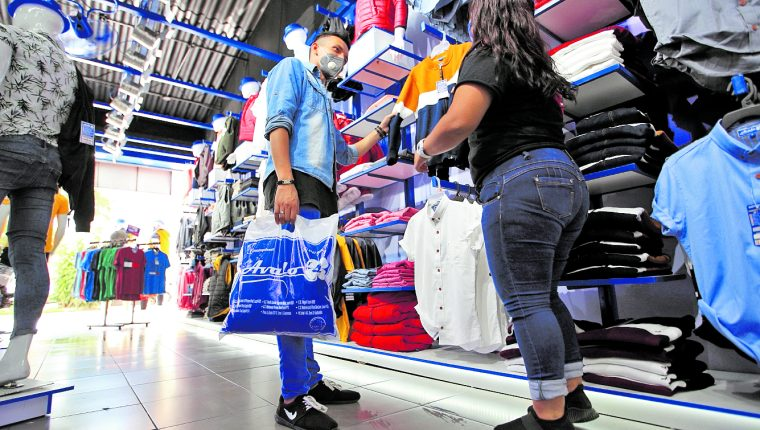 Negocios esperan mejorar su economía durante la reapertura del país, luego de meses de permanecer cerrados por la pandemia del coronavirus.