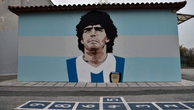 Esta es la primera Navidad que el astro argentino Diego Maradona no está y surgen algunos recuerdos.  (Foto Prensa Libre: AFP).