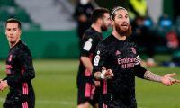 Sergio Ramos, capitán merengue, podría dejar el club español. Foto Prensa Libre: AFP