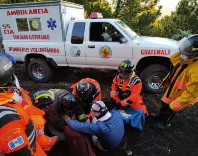 Dos personas son rescatadas de la cima del volcán Acatenango