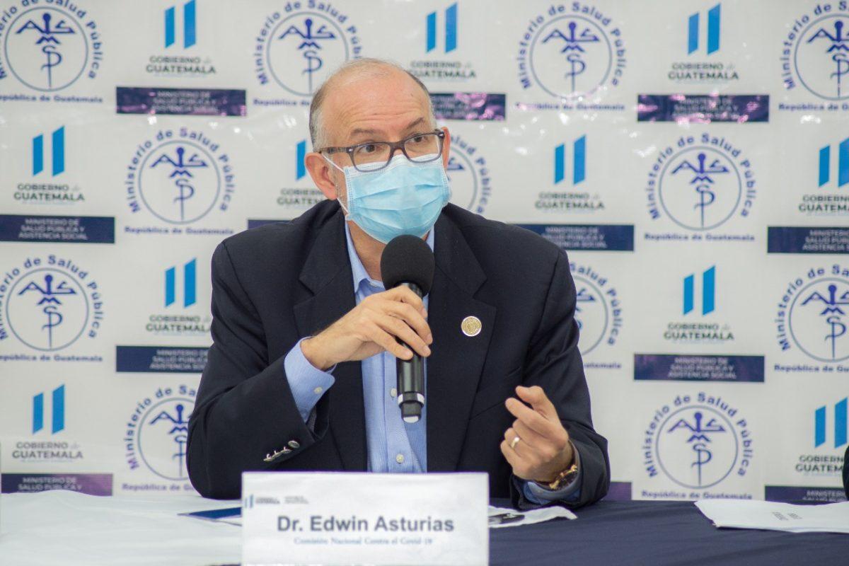 Edwin Asturias: Navidad y Año Nuevo podrían ser las semanas con más contagios de coronavirus