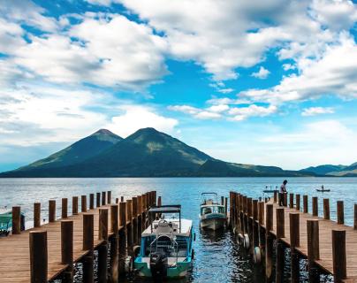 Atitlán, Antigua Guatemala, las playas del Pacífico  y otros destinos han sido visitados en la temporada de fin de año. (Foto, Prensa Libre: Hemeroteca PL).