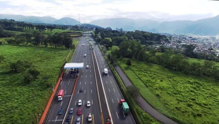 En el sur ya opera la  Autopista Palín Escuintla. En el caso de la Autopista a Puerto Quetzal el proyecto es por modelo inversión público privada. (Foto, Prensa Libre: Hemeroteca PL).