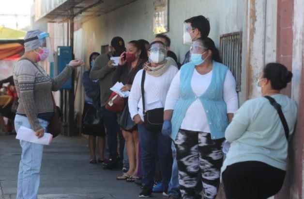 Las medidas de prevención se mantienen en Guatemala para prevenir contagios de coronavirus. (Foto Prensa Libre: Érick Ávila)