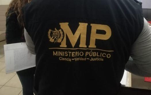 MP en cateos por supuesto caso de corrupción en la Contraloría General de Cuentas. (Foto Prensa Libre: MP)