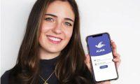 La médica Gabriela Asturias es destacada a nivel internacional por su aporte a la tecnología por medio de la co-creación de ALMA, un chatbot sobre covid-19. (Foto Prensa Libre: MIT Tecnology Review).