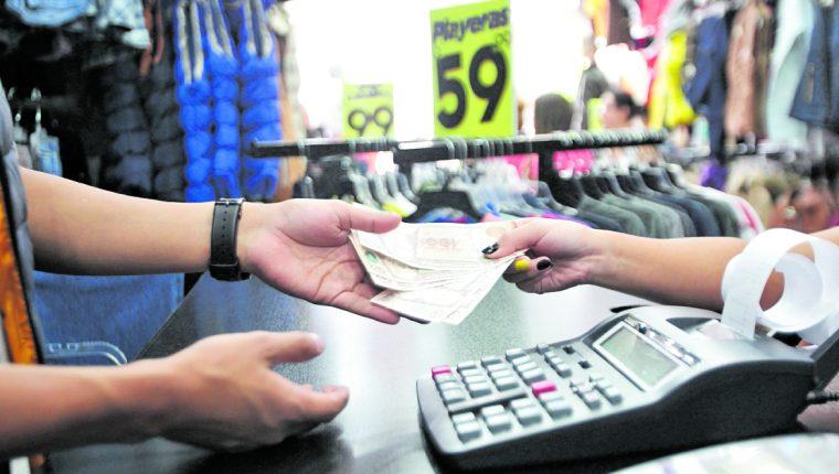La variación salarial incide en el nivel de consumo de los trabajadores. Foto: Hemeroteca PL