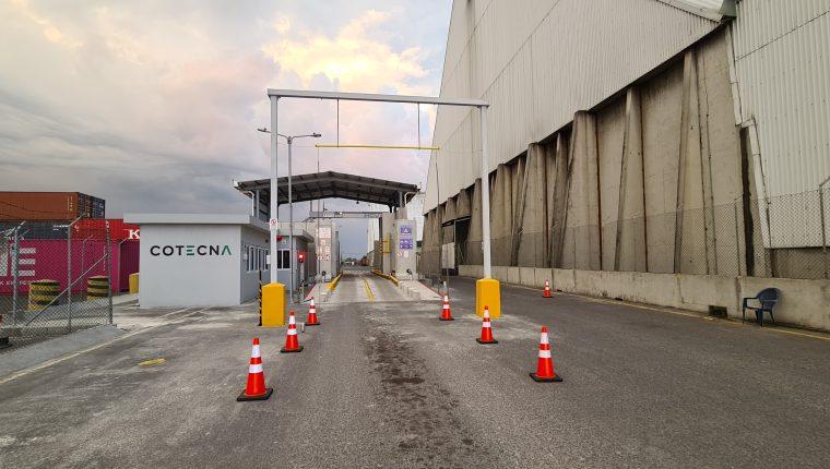 El módulo de rayos X empezó a funcionar en la EPQ en Escuintla para inspeccionar el contenido de mercancías de importación y exportación. (Foto Prensa Libre: Cortesía EPQ)