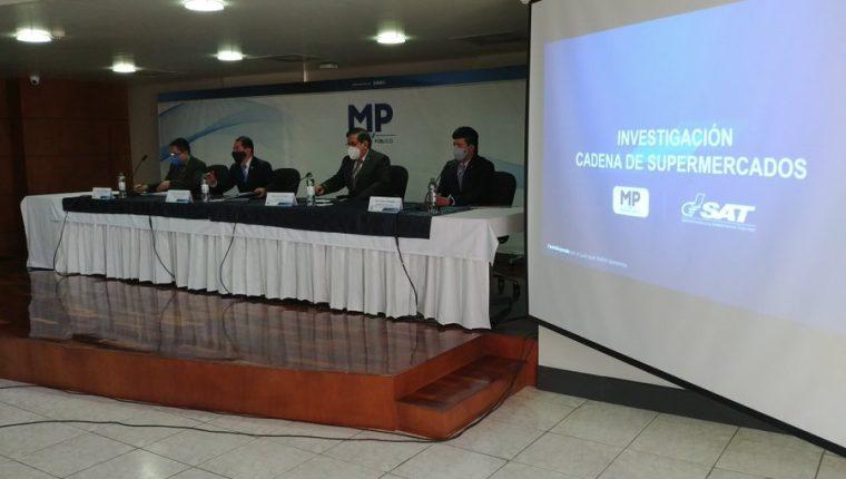 Autoridades informan de investigación contra cadena de supermercados. (Foto Prensa Libre: MP)
