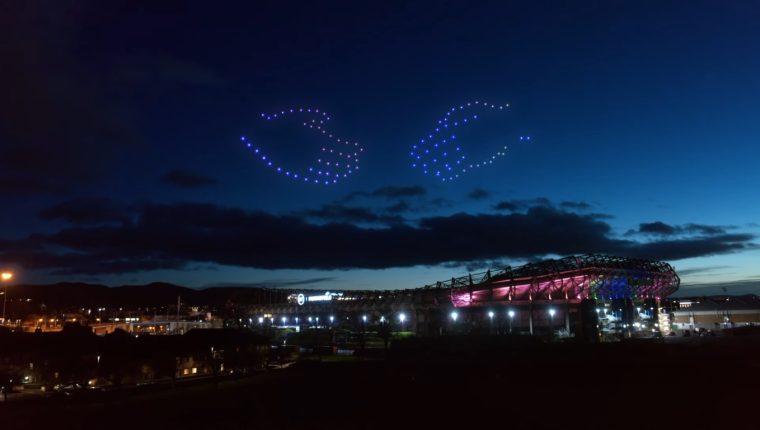 Unas manos coloridas brillaron sobre la capital escocesa, como parte del espectáculo anual. (Foto: YouTube UnderbellyLtd)