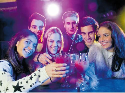 Las cuatro pautas para evitar intoxicaciones etílicas de menores los días de fiesta