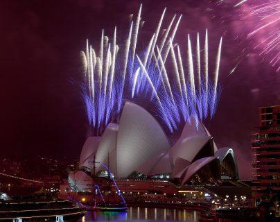Celebración de Nochevieja en Sidney, Australia, uno de los países que ha manejado bien la pandemia. (Foto Prensa Libre: EFE)