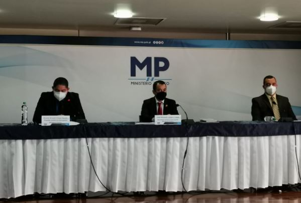 """MP revela caso """"Bufete de abogados VIP"""" que ofrecía asesoría jurídica y amenazaba a fiscales"""