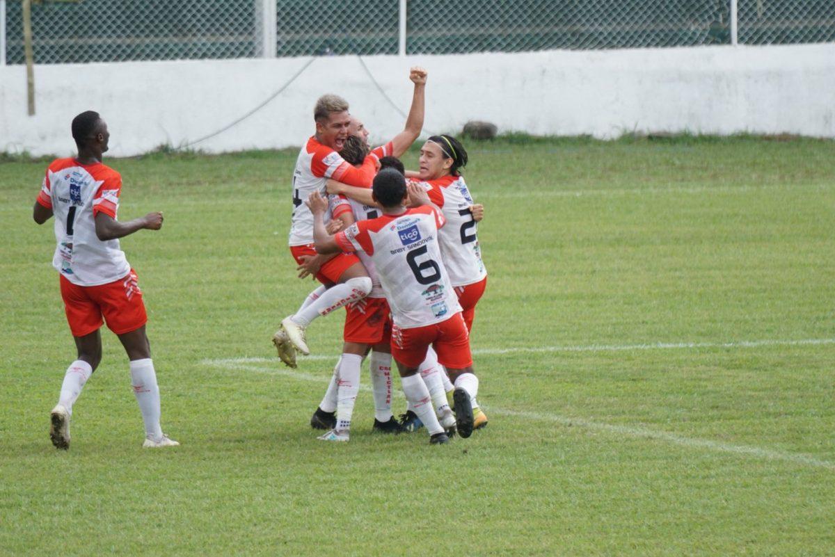 Mictlán y Aurora FC clasifican a las semifinales de la Primera División
