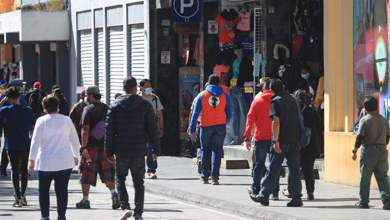 La producción nacional mejoró en enero, al igual que el ingreso de divisas por remesas y exportaciones, informó el Banguat. (Foto Prensa Libre: Hemeroteca)