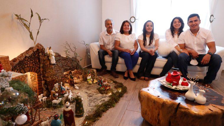 El nacimiento de la familia Hernández Lemus ganó el segundo lugar. (Foto Prensa Libre: Esbin García)     Fotograf'a  Esbin Garcia 23- 12-20